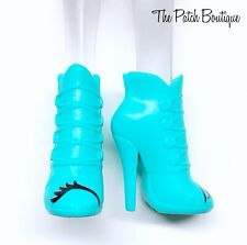 Monster High I Heart Fashion Iris Clops Doll Replacement Teal Eye Boots Shoes