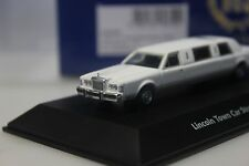 BOS Lincoln Town Car Stretch Limousine, weiss - 87236 - 1:87