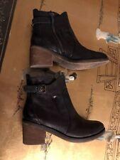 Latigo Sz 7m Black Leather Ankle Bootie