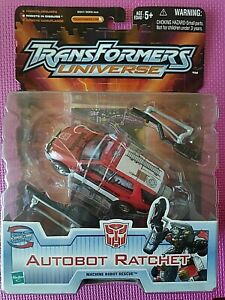 Transformers Universe AUTOBOT RATCHET Rescue Deluxe 2003 Ships WORLDWIDE NIB