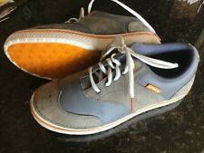 Crocs Golf Shoes size 9 medium Grey/Orange