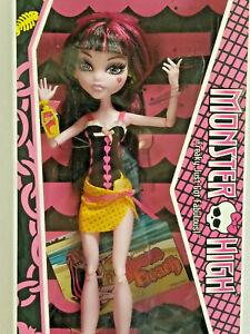Draculaura Doll Monster High Gloom Beach 2010 Mattel