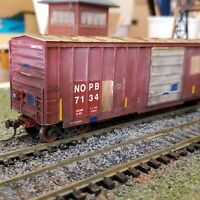 Athearn HO weathered NOPB 50' boxcar patched freight car Railbox type