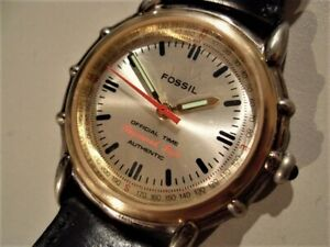 FOSSIL AM-1092 JAPAN PRE-OWNED RARE EARLY MODEL FANCY CASE QUARTZ MEN'S WATCH