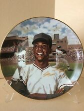 """Willie 'Say Hey"""" Mays """"Superstars of Baseball' plate w 24K rim and signature"""