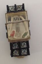 ALLEN BRADLEY  RELAY WITH BASE LOT OF 10 700-HF32A1-4 101310