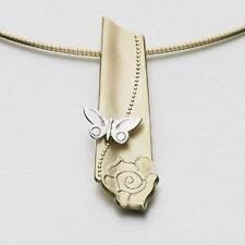 Ola Gorie 9 Ct Oro Amarillo & Blanco Tierra Flor Colgante 9 Tondo Alambre Rosa