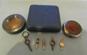 COLLECTION OF VARIOUS ANTIQUE POCKET WATCH CASES AND KEYS