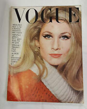 November Vogue Antiques & Collectables Magazines