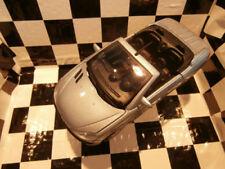 Voitures de courses miniatures gris pour Peugeot