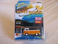 2017 Johnny Lightning Surf Rods M&J Toys Exclusive '62 VW Type 2 Pickup 1/2400