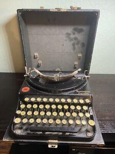 Remington Portable Vintage Typewriter in Original Case Parts Repair Untested