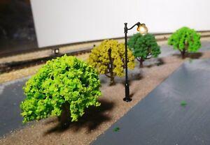 20 Laubbäume, hell-, mittel-, dunkel-, dunkelgelbgrün, 50 mm hoch