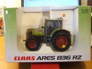 Universal Hobbies Claas Ares 836 RZ Tractor, 1:32, BNIB