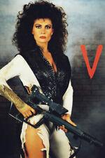 V Jane Badler 18x24 Poster Alien Lizard Skin Arm Sexy