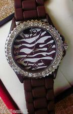 Reloj de mujer marca Geneva, correa de plástico/goma, en muy buen estado