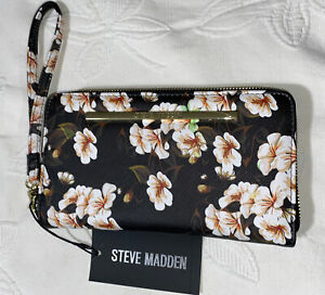 Steve Madden Wallet Wristlet Black Floral Gold Zipper Lovely Design