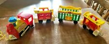 VINTAGE FISHER PRICE LITTLE PEOPLE 991 CIRCUS TRAIN ENGINE WITH 3 CARS
