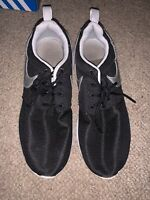 Black Nike Roshe Run Size 5