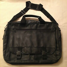 Satchel with expanding-base centre zone NEW. Front multiple storage pockets/zone