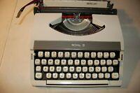 Vintage Royal Mercury Typewriter  Portable Typewriter Lid, excellent condition