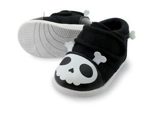 Squeak Skull & Bones Halloween Size 7 Toddler Shoes Captain Zuga Yochi Yochi New