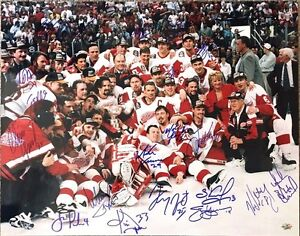 1996-97 Red Wings Stanley Cup Autographed Team Photograph
