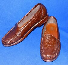 SAS 7.5 M BROWN CROC PATENT LEATHER SIMPLIFY SHOE WOMENS LOAFER