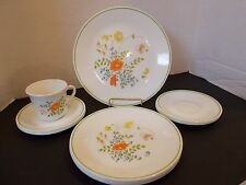 CORELLE DINNERWARE SET WILDFLOWER DINNER LUNCHEON PLATES SAUCERS & MUG 13 PCS.