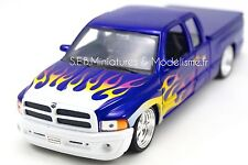DODGE RAM QUAD CAD 1500 SPORT  PICK-UP 1:24 WELLY FE17DC