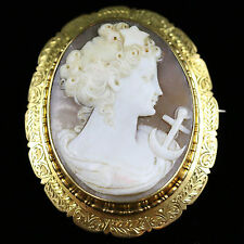 ANTIQUE VICTORIAN CAMEO GOLD BROOCH  CIRCA 1860
