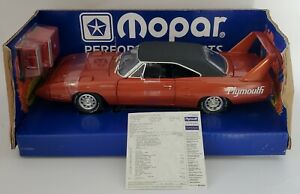 ERTL 1/18 BURNT ORANGE 1970 PLYMOUTH SUPERBIRD 1 OF 1000 WITH TOOLBOX