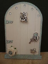 MAGICAL CREAM & SILVER GLITTER EDGE FAIRY DOOR WITH TINKERBELL LOCK & KEY