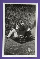 SEXY WOMAN AND MAN WITH PHONOGRAPH GRAMOPHONE VINTAGE PHOTO CARD 862