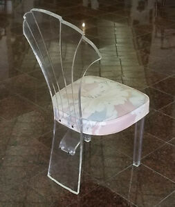OUTRAGEOUS 1970'S HILL MANUFACTURING LUCITE SHELLBACK SIDE CHAIR