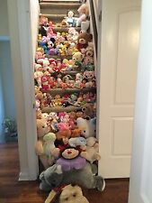 100 kids Stuffed animals doll lot Sesame Street Disney Frozen Cabbage patch kids
