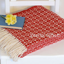 Pure New Wool *STUNNING* RED & CREAM TEXTURED THROW Bed Sofa Blanket BRITISH