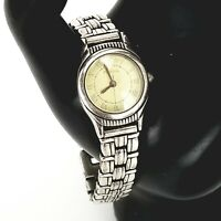 Fossil Womens Cocktail Wrist Watch Silver Tone Roman Numeral Round Face Analog