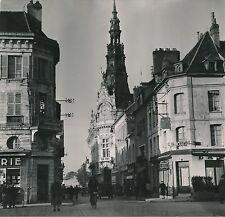 SENS c. 1949 - Autos Rue de la République Animée L'Hôtel de Ville- Div 10825