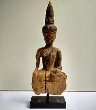 Très ancien Bouddha en bois Royaume de Lanna Nord Thaïlande