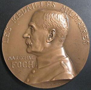 Médaille LES MEDAILLES MILITAIRES MARECHAL FOCH  - Signée PRUD'HOMME 1967