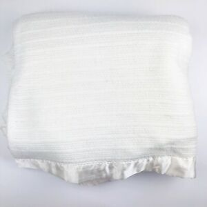 Vintage Fieldcrest Twin Acrylic White Thermal Waffle Weave Satin Edge Blanket
