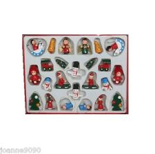 GISELA GRAHAM BOX 24 MINI WOODEN TRADITIONAL CHRISTMAS TREE ORNAMENT DECORATIONS