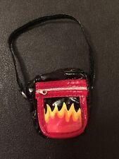 Accesorios De Muñeca Bratz Jade's hippie chic Style que Bolsa De Llama Negro y Rojo