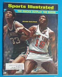 1970 Sports Illustrated Magazine Basketball Alcindor & Reed Knicks & Bucks