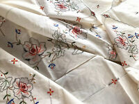Vintage Unused Hand Embroidered Cream Cotton Floral Tablecloth 6 Napkins 51x66""