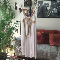 ALTAR'D STATE sz S White & Beige Embroidered Crochet Lace Accent Boho Top