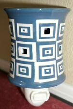 Scentsy Plug In Warmer Wonky Blue & White