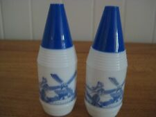 COLLECTABLE VINTAGE PR MILK GLASS DELFT STYLE SALT & PEPPER sHAKERS