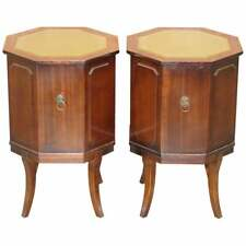PAIR OF FLAMED MAHOAGNY GREEN LEATHER TOPPED SIDE END LAMP WINE CUPBOARD TABLES